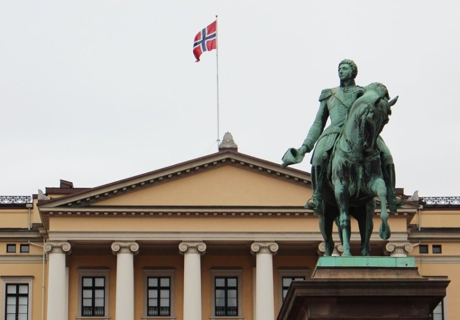 Karl Johan and the Castle